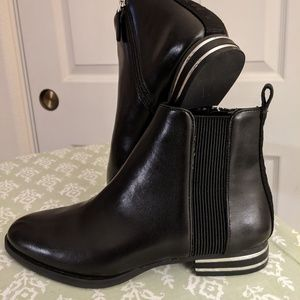 DKNY booties size 8